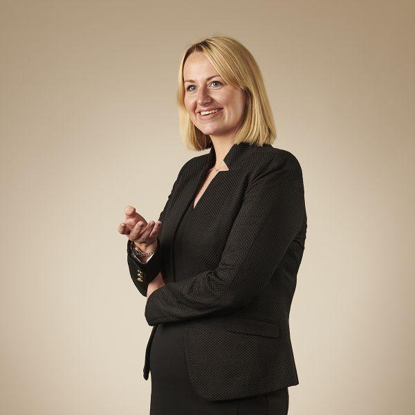 Nikki Weir, Senior Associate